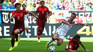 At 12' Portugal defender João Pereira took down Germany forward Mario Goetz in the box, receiving the first yellow card of the match