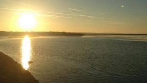 Sunrise over Galway Bay (Pic: @sheilagreaney)