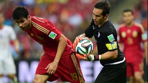 Spain started off the second half applying a good amount of pressure to the Chile defence, although Chile's goalkeeper and captain Claudio Bravo kept things well wrapped up