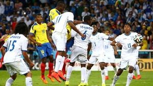 Enner Valencia scores the winner for Ecuador