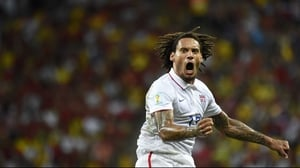 The American fans were rewarded at 64' when midfielder Jermaine Jones scored on a spectacular strike from distance to even the score at 1-1