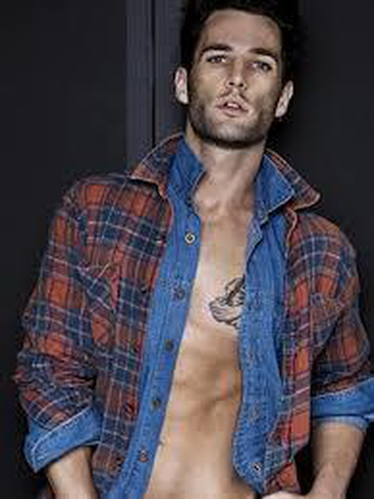 Male Model Sam Homan
