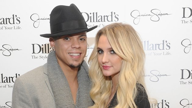 Evan Ross and Ashlee Simpson are set to wed in August