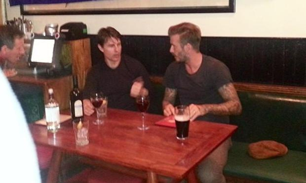 Cruise and Beckham caught up over a bottle of wine on Monday - Image from Lisa Freid's Instagram