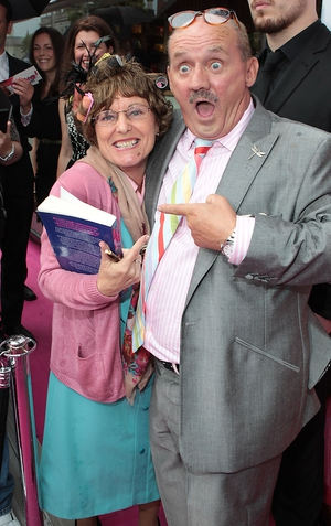 """Brendan O'Carroll meets the """"real life"""" Agnes Brown from Coolock"""