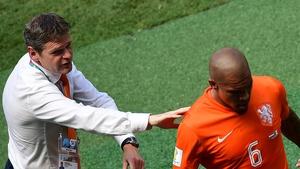 The Dutch FA has confirmed de Jong's tournament is over