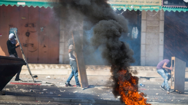 Youths clash with Israeli police