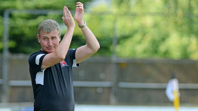 Dundalk manager Stephen Kenny salutes the crowd
