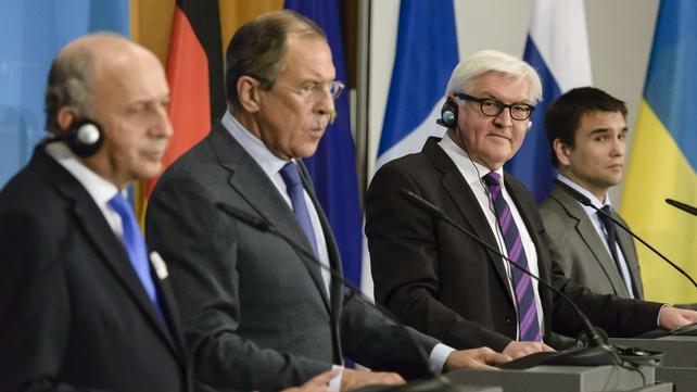 Laurent Fabius, Sergei Lavrov, Frank-Walter Steinmeier and Pavlo Klimkin address a joint press conference
