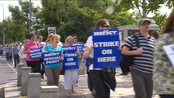 600 union members went on strike on 24 June, leading to the closure of many services