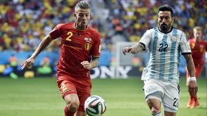In the second, Argentina continued to threaten the Belgium defence, as forward Ezequiel Lavezzi competed with Toby Alderweireld deep in the red side's half