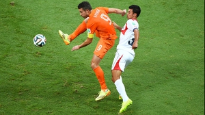 Netherlands star striker and captain Robin van Persie came out with good energy, but he couldn't create any magic in the first, as Costa Rica defender Giancarlo Gonzalez and company kept him in check