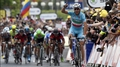 Nibali takes second stage and yellow jersey