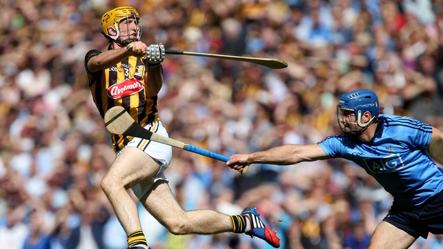 Dublin's Stephen Hiney challenges Colin Fennelly of Kilkenny