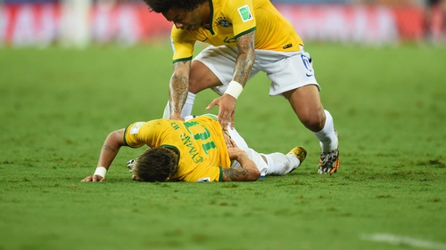 Neymar continues to recover from a back injury