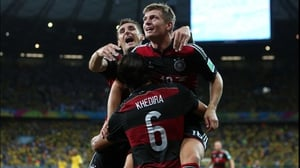 And only two minutes after that, Kroos got another one by Cesar, putting Germany up at an unbelievable score of 4-0