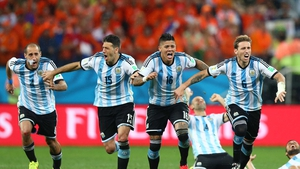 Argentina advance to face Germany