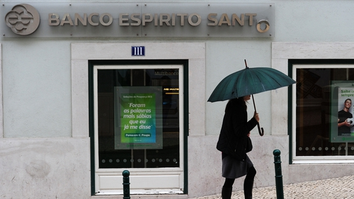 Trade in Banco Espirito Santo shares was halted after a 19% drop on the Portuguese market