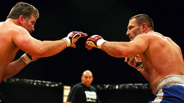 Dave Legeno (right) cage fighting in London in 2007