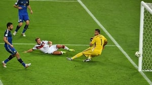 Yet, Germany's luck turned around at 113' when forward Mario Goetze scored a gorgeous goal past Romero