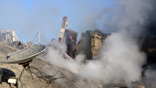 Israel resumes air strikes in the Gaza Strip