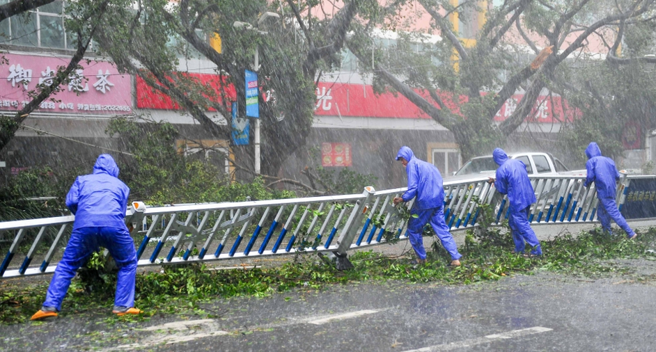 Typhoon Rammasun brings torrential rains and strong wind to the area in Beihai, south China's