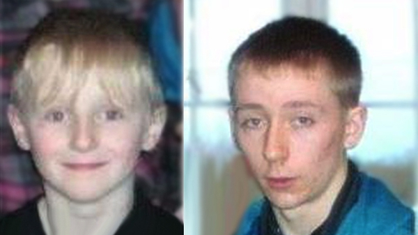 Brandon Skeffington (R) and his older brother Shane Michael