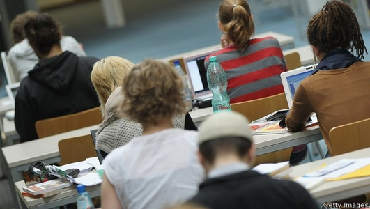 Parents struggle to pay for third-level education - survey