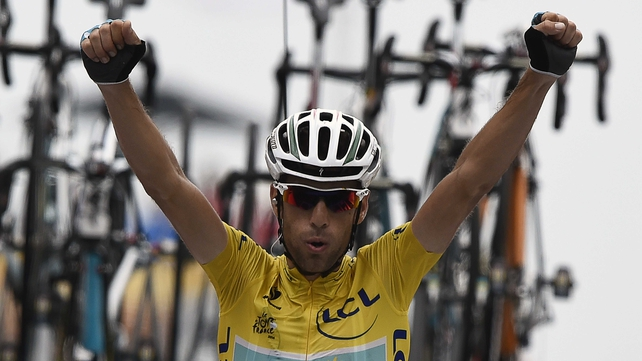 Vincenzo Nibali is in firm control of the yellow jersey heading into the final three stages