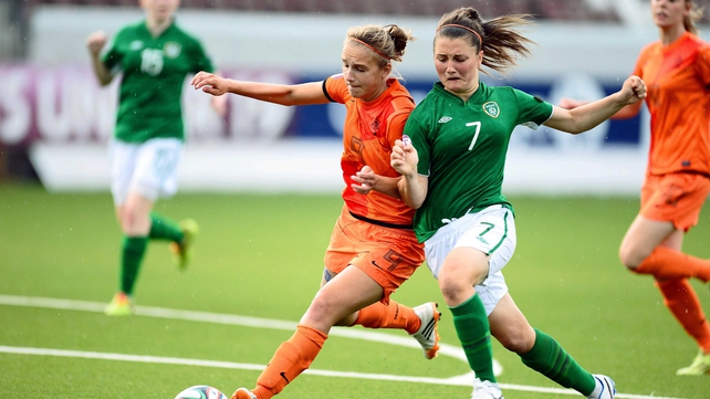 Netherlands' Vivianne Miedema and Keeva Keenan of Ireland battle for the ball