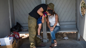 Soldier avails of Israel-Hamas ceasefire to catch up with his family