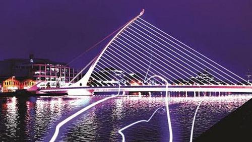 Dagda's arrival at the Samuel Beckett Bridge, September 6