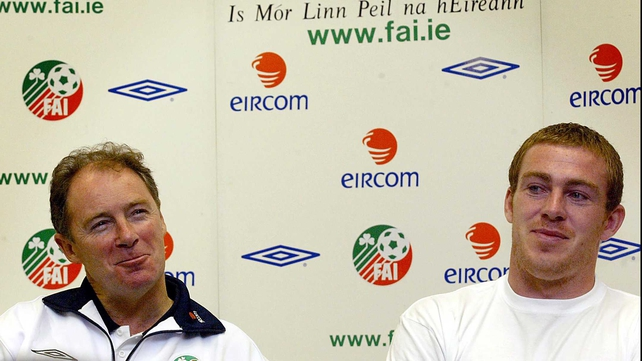 Brian Kerr and Richard Dunne at an Ireland press conference in 2003