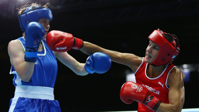 Michaela Walsh will face the Olympic champion Nicola Adams in the final of the flyweight division