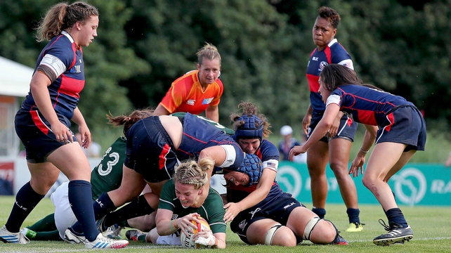Niamh Briggs touches down