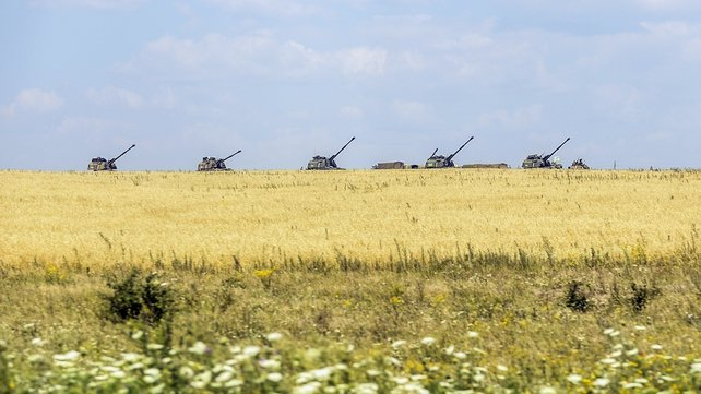 Ukrainian tanks in a field in Debaltseve, not far from the crash site