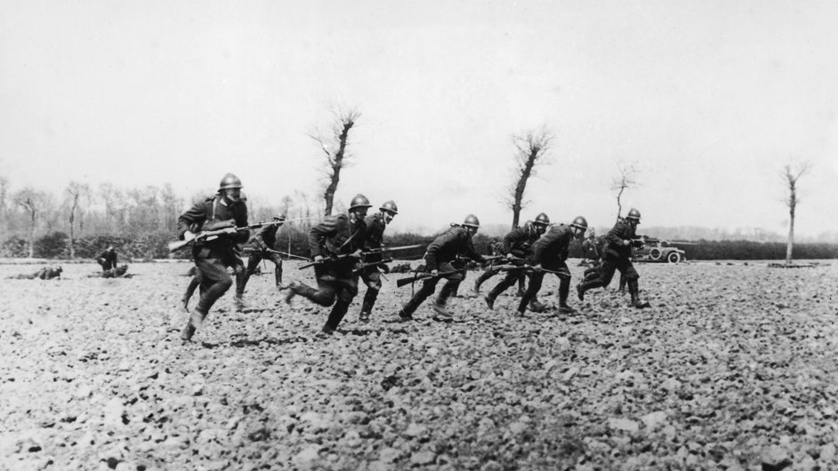Belgian soldiers make a charge near the River Yser