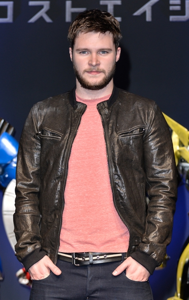 Jack Reynor and Eric Bana are in talks to join the cast of The Secret Scripture.