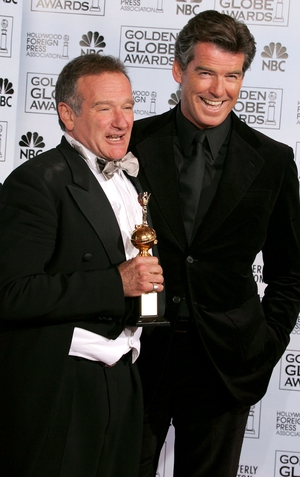 Robin Williams and Pierce Brosnan at the Golden Globe Awards, 2005