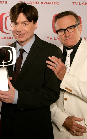 Mike Myers and Robin Williams pose for a portrait during the TV Land Awards, 2008