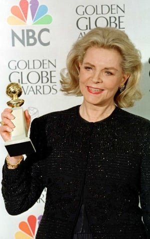 Lauren Bacall wins Best Supporting Actress in a Motion Picture Comedy, 2006