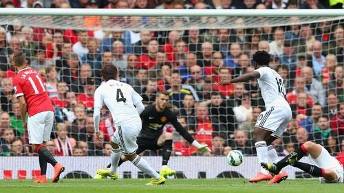 Ki Sung-yueng scores the opening goal for Swansea