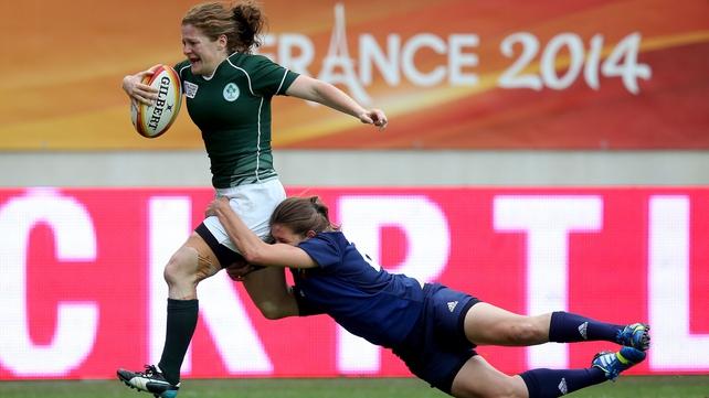 Grace Davitt beats Christelle Le Duff of France to score Ireland's second try