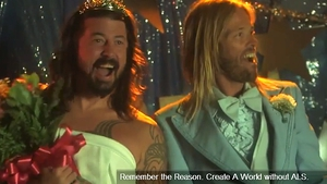 The happy couple... (Screengrab copyright: Foo Fighters)