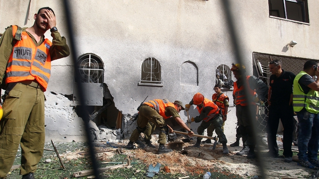 Hamas airstrike hits synagogue