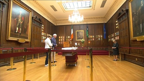 Members of the public pay their respects at Dublin's Mansion House