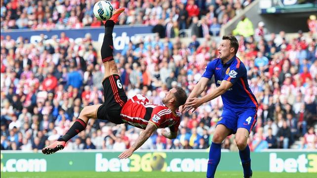 Sunderland's Steven Fletcher attempts an overhead kick