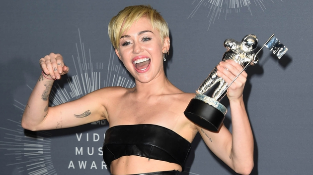 Miley Cyrus celebrates her Video of the Year win