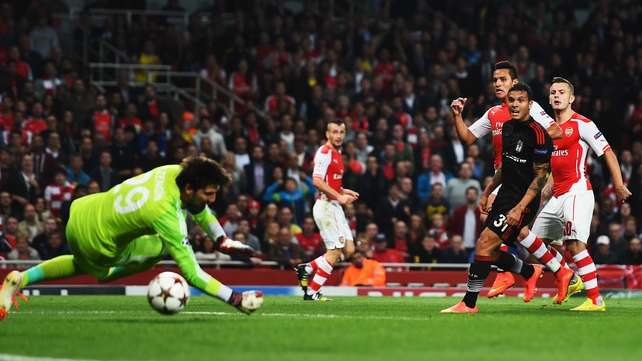 Alexis Sanchez scores the game's only goal