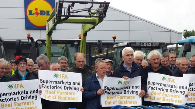 The protest, which is organised by the IFA, involves over 50 tractors and hundreds of farmers (Pic: @IFAmedia)